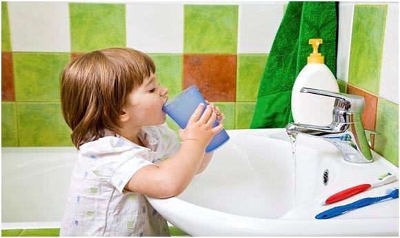 Хлорофиллипт детям от горла назначается в качестве полосканий