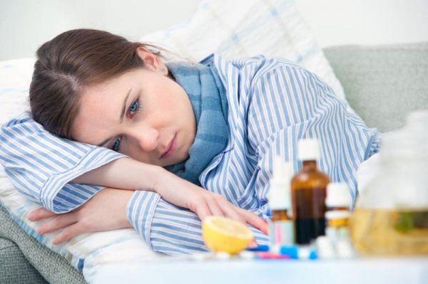 Помогает ли Фурацилин при больном горле, и как им правильно пользоваться: читайте в этом обзоре
