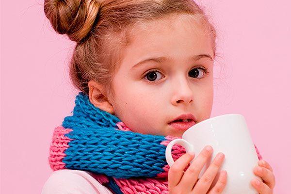Ребенок жалуется на першение в горле и кашель? Обязательно покажите его педиатру