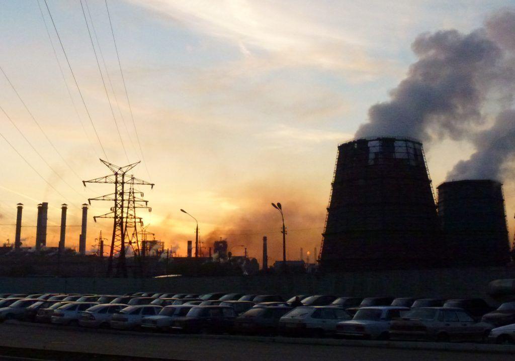 Загрязненный воздух промышленных городов – один из факторов риск болезней горла и легких