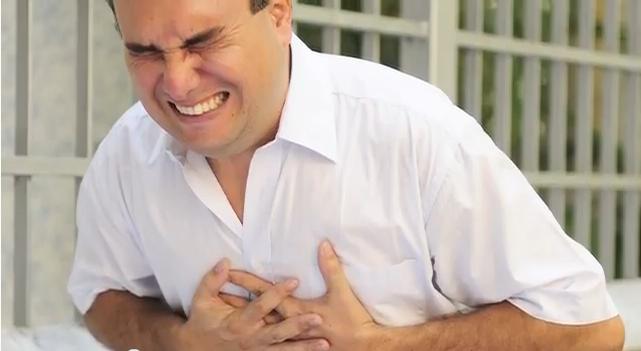 Ангинозная боль очень тяжело переносится пациентом и требует скорейших действий.