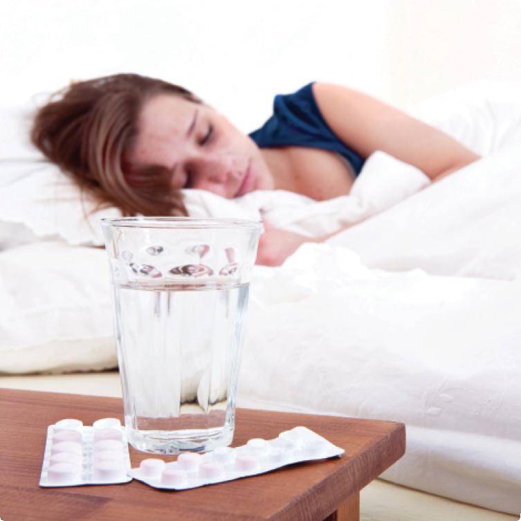 Если болезнь сопровождается головной болью и слабостью, старайтесь больше отдыхать