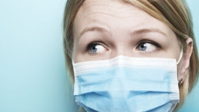 Маска – средство защиты окружающих людей, если вы больны.