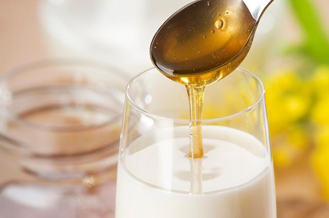 Молоко с добавлением меда