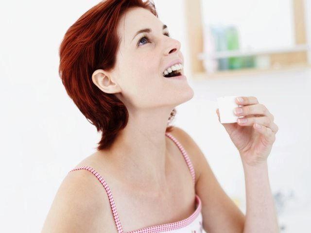Правильное положение головы при полоскании горла