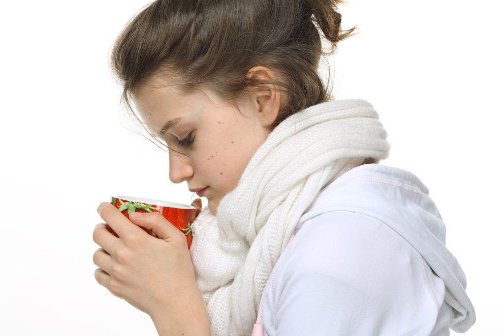 При боли в горле Аквалор можно использовать как самостоятельно, так и в комплексе с другими препаратами, в том числе и народными средствами, приготовленными своими руками