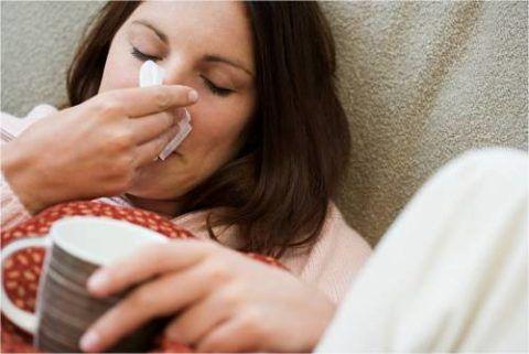 Бактериальный фарингит развивается на фоне банальной простуды в 30-40% случаев