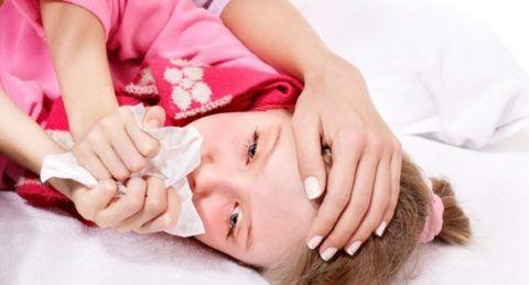 Кашель от аденоидов и лечение этого проявления болезни крайне актуально, если он мешает ребенку нормально выспаться