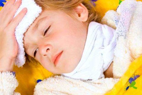 Перед тем как поставить компресс водочный на горло ребенку, нужно обязательно поговорить с педиатром