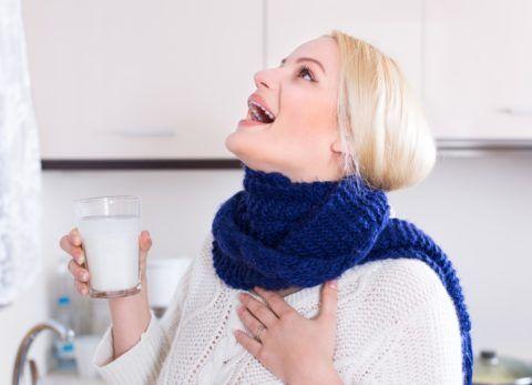 Полоскать горло необходимо 3-4 раза в день.