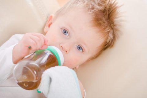 Ромашковый чай для ребенка