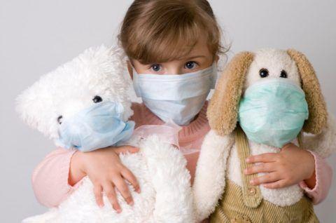 Вирус ветряной оспы чрезвычайно заразен: при контакте с инфекцией человек заболеет практически в 100% случаев