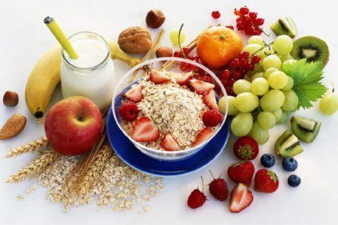Здоровое питание также важно для укрепления иммунитета и борьбы с инфекцией