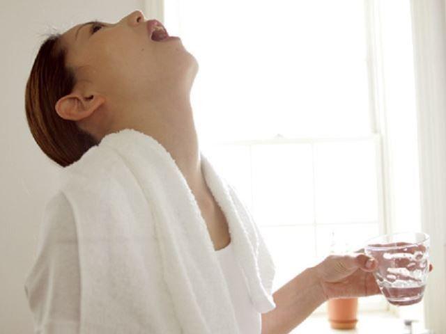 Болит горло чем полоскать в домашних условиях