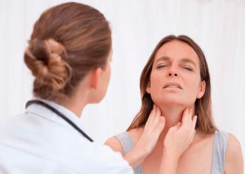 Если после полосканий продолжительное время болевые ощущения и жалобы не проходят – стоит обратиться к специалисту для уточнения лечения