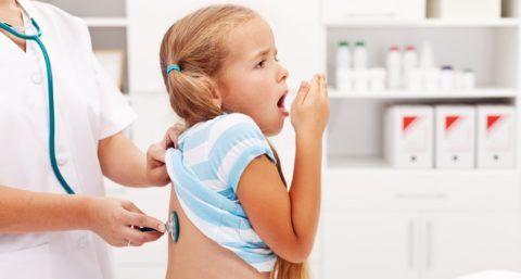 У ребенка хрип в горле может возникать и по причине заболеваний бронхов