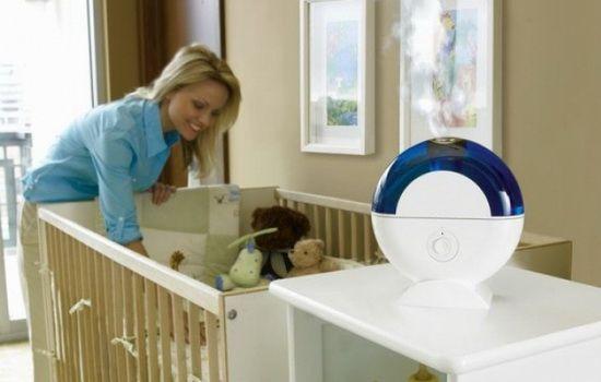 Всегда следите за влажностью воздуха в помещении, где находится малыш.