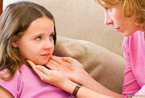 Ангина у ребенка — показание для использования полосканий