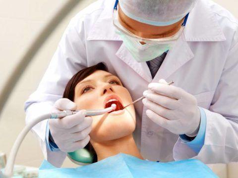Болит горло после удаления зуба из-за длительно проводимых манипуляций