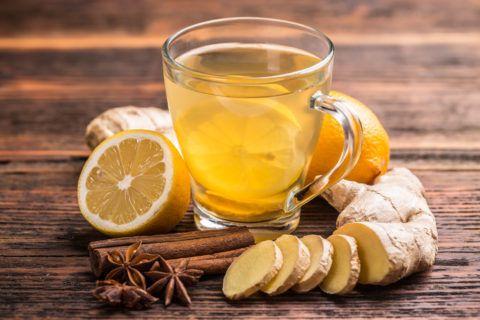 Имбирный чай благотворно влияет на больное горло