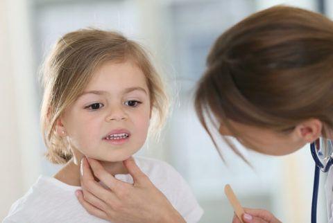 Лечение горла у ребенка
