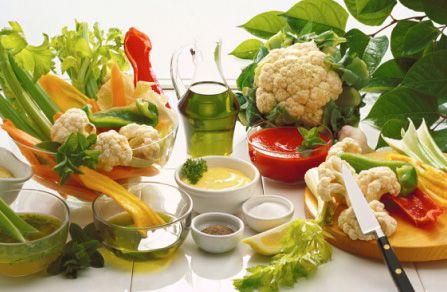 Молочные и растительные продукты – правильное питание при воспалении небных миндалин.
