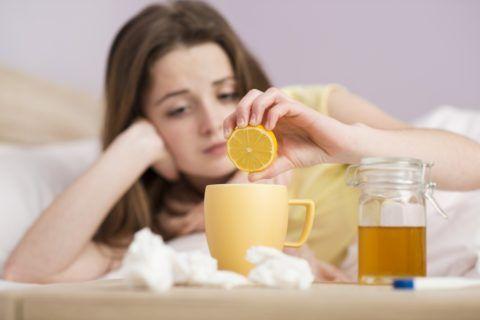 Наиболее важным моментом является полное исключение любых раздражающих и аллергенных продуктов и напитков