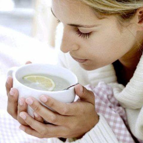 Одним из пунктов лечения при чувстве кома в горле является соблюдение диеты