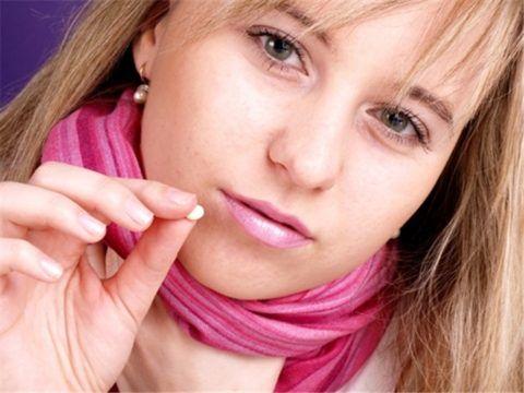 Прежде чем остановить свой выбор на том или ином лекарственном средстве нужна консультация врача, а не фармацевта: неправильное лечение кашля может принести вред