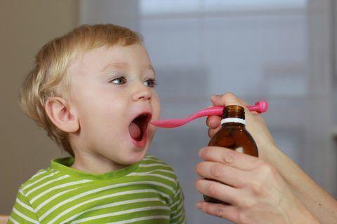 Прием лекарственных препаратов у ребенка строго по назначению врача.