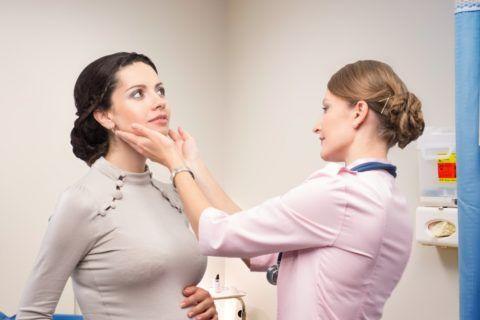 Увеличены лимфоузлы на горле – от признака к диагнозу