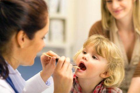 Диагностику аденоидов проводит врач-отоларинголог.