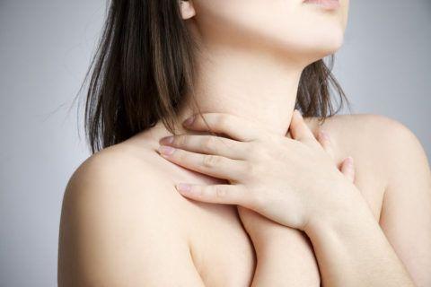 В горле может быть тонзиллит, фарингит или ларингит