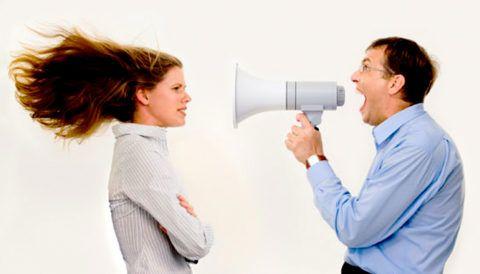 Постоянные тренировки позволяют говорить громко и без рупора