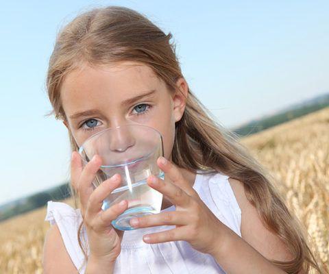 Холодная вода в стакане