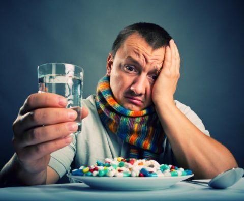 При ангине выбрать таблетки непросто