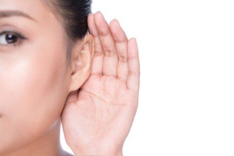 При хроническом течении не исключено постепенное снижение слуховой функции