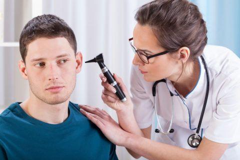 У взрослых чаще всего развивается односторонний тубоотит
