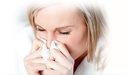 Воспаление носоглотки – возможная причина формирования серозного отита