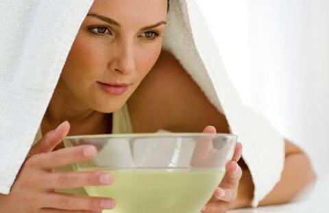 Ингаляции с алоэ и морской солью помогают удалять гной и насморк, что облегчает лечение гайморита